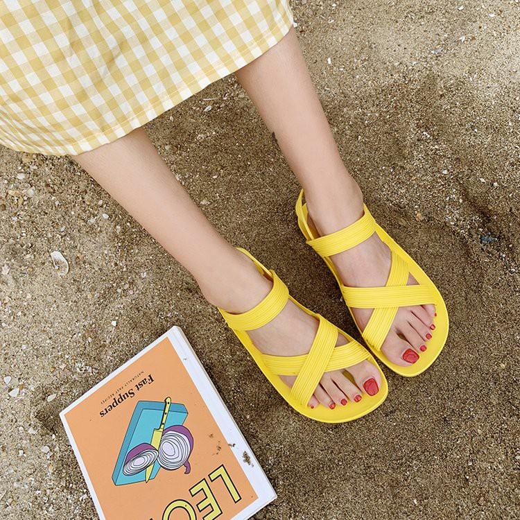 Sandal nữ nhựa cao cấp quai chéo đi mưa, Dép nữ quai hậu siêu bền đi  học, đi chơi, đi du lịch không thấm nước DG17