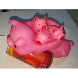 Bộ đồ chơi heo mẹ và 3 chú heo con CHÍT màu HỒNG, Bộ đồ chơi heo chibi đánh trống