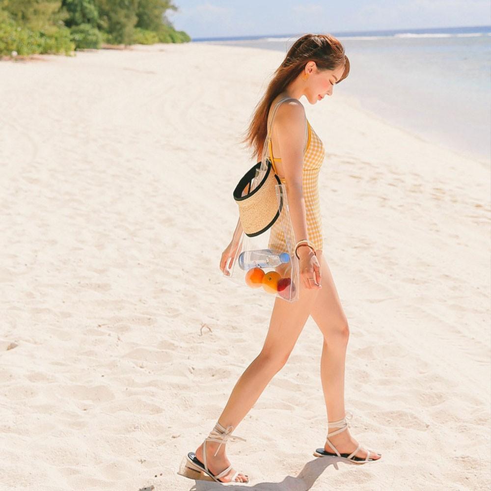 Áo tắm nữ kẻ sọc màu vàng trong bộ sưu tập đồ đi biển 2021 SPORTY sw2390