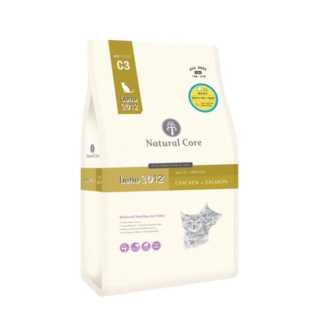 Hạt khô hữu cơ Natural Core cho mèo từ thịt gà và cá hồi gói 500g