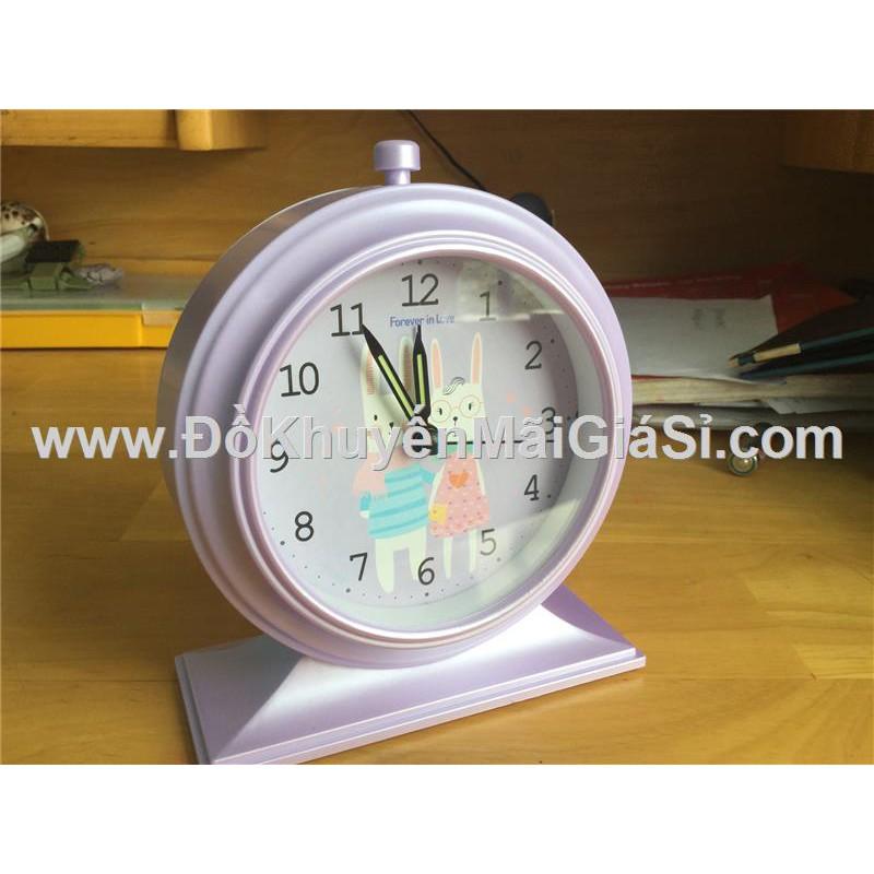 Đồng hồ để bàn hình tròn có báo thức + đèn - Kt: (12.5 x 5.2 x 15) cm - Tím - 3337938 , 879564685 , 322_879564685 , 50000 , Dong-ho-de-ban-hinh-tron-co-bao-thuc-den-Kt-12.5-x-5.2-x-15-cm-Tim-322_879564685 , shopee.vn , Đồng hồ để bàn hình tròn có báo thức + đèn - Kt: (12.5 x 5.2 x 15) cm - Tím