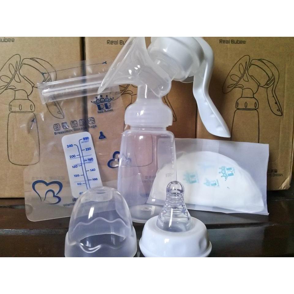 Máy cầm tay Real Bubee kèm núm ti (tặng kèm 1 miếng lót thấm sữa, 1 túi trữ