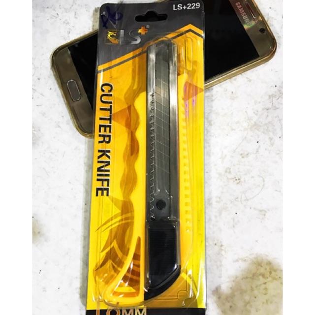 Dao rọc giấy tặng hộp lưỡi dao ( 10 lưỡi/ hộp)