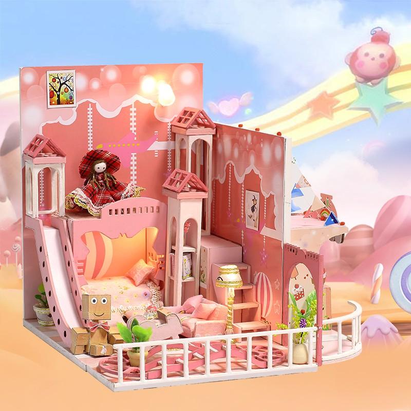 Nhà búp bê Dream childhood ( Tặng mica)