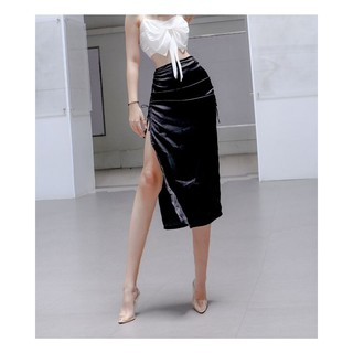 Chân váy lụa bóng dây rút 2 bên màu đen HCV21 – Hỉn Hỉn Store