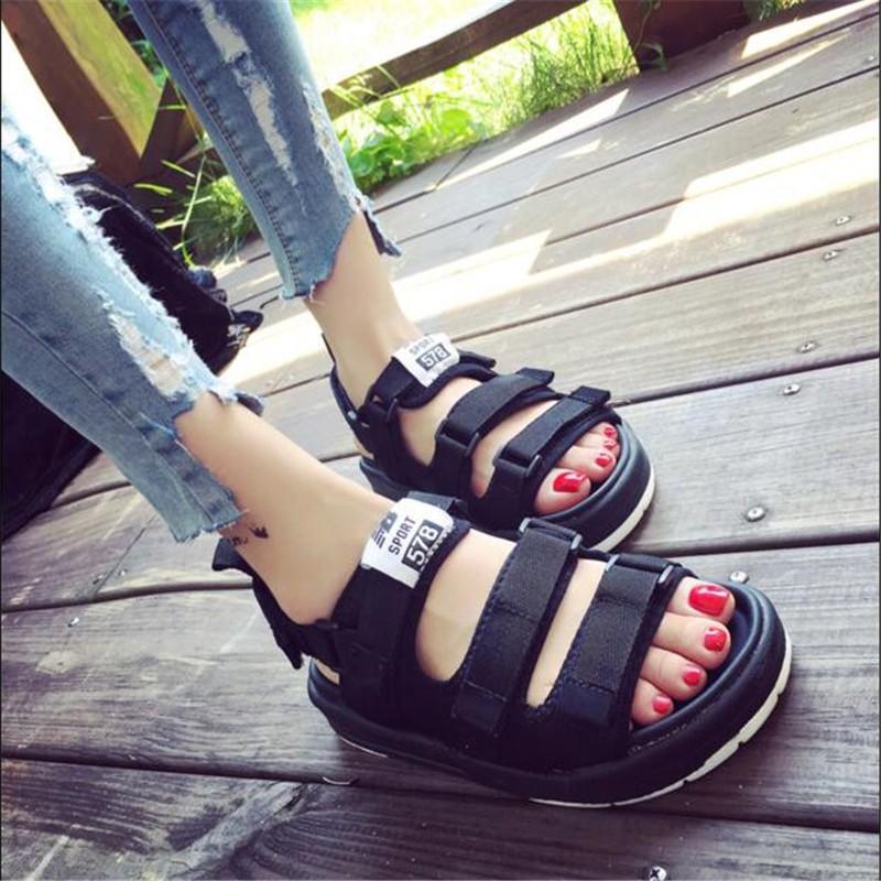 รองเท้าแตะรองเท้ามาร์ตินสไตล์เกาหลีโรมันแฟชั่นฤดูร้อน