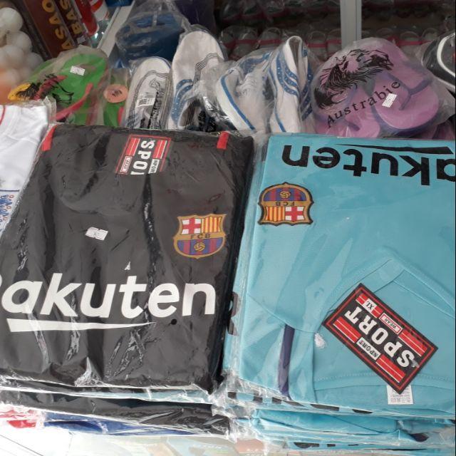 Quần áo đá bóng người lớn