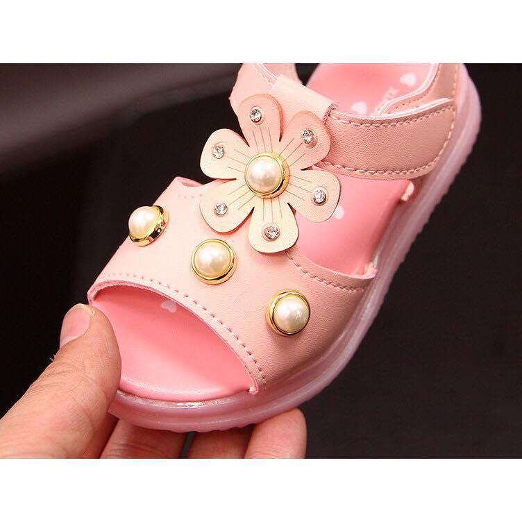 Sandal Hoa ngọc trai đèn LED cực xinh cho bé gái 1-3 tuổi