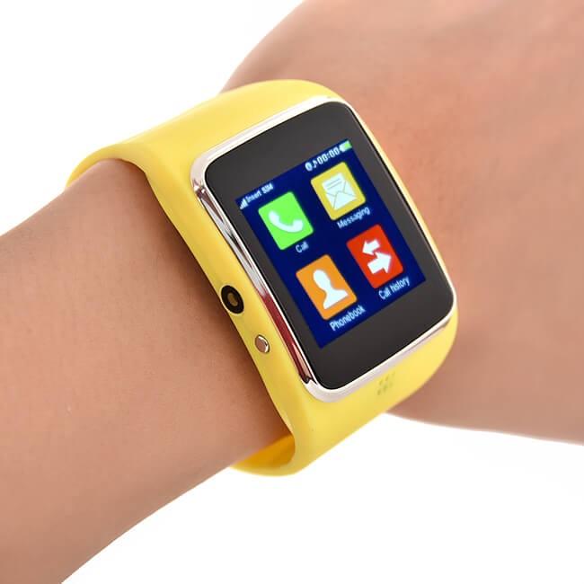 Đồng hồ thông minh Z30 vàng tặng thẻ 8g