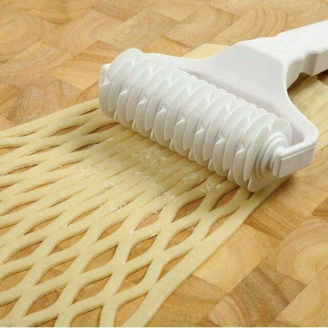 Dao cắt tạo hình bột bánh dừa lưới – rolled pastry cutters