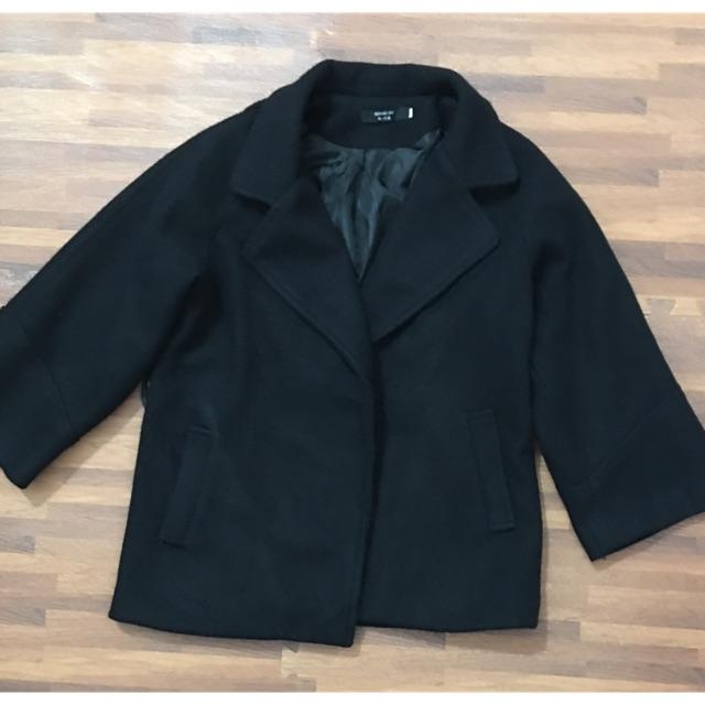 Áo dạ ngắn lông thỏ màu đen