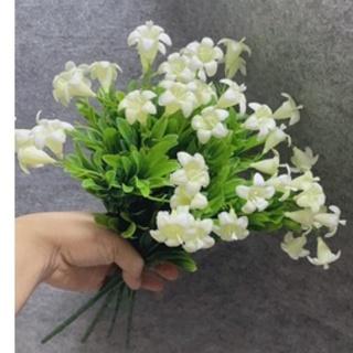 Cụm hoa loa kèn nhí điểm hoa sáp,hoa lụa,cắm bình