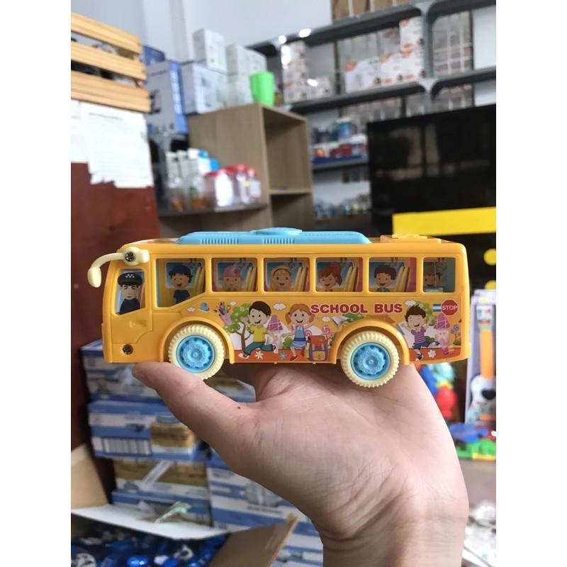 Xe buýt chạy pin có nhạc