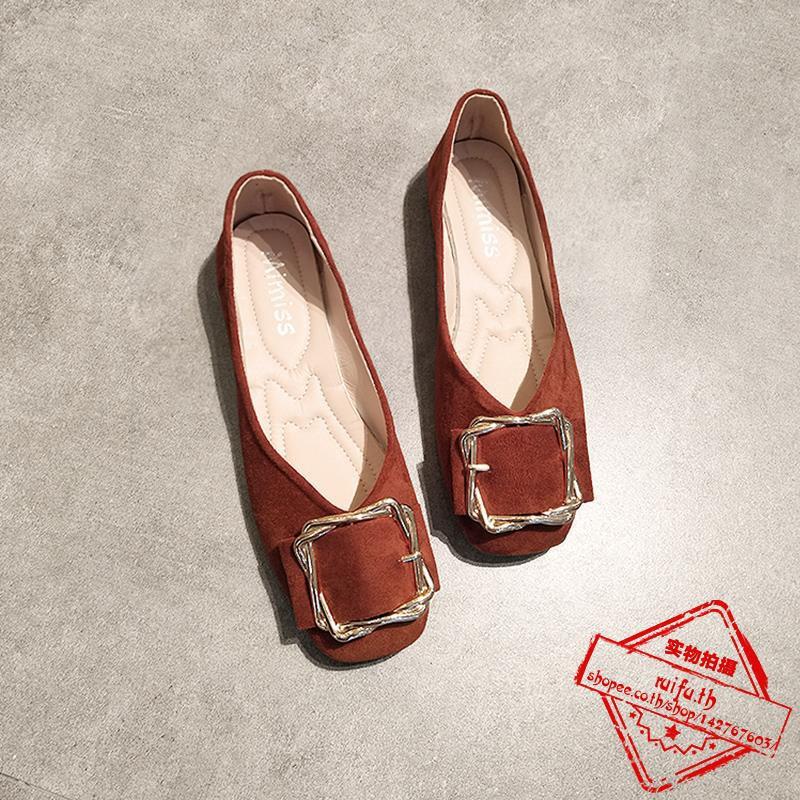 ้าหญิงเดี่ยวปากตื้นแบนกับรองเท้าถั่วด้านล่างนุ่มตารางหัวเข็มขัดหนังนิ่มรองเท้ายายรองเท้าแต่งงานสีแดง