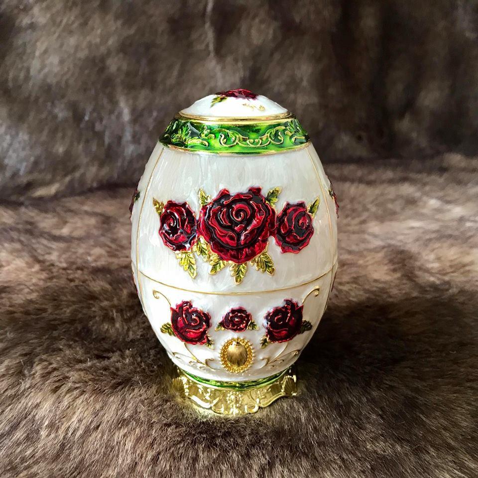 Trứng đựng tăm Bông đỏ hợp kim mạ vàng Hoàng Gia Thái Lan Loại Thấp