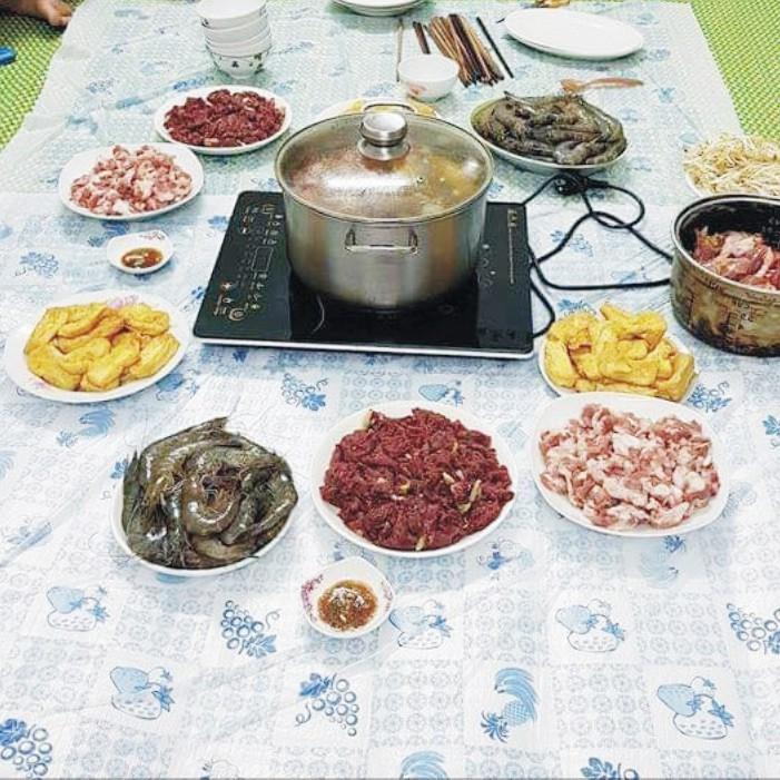 [FREESHIP] Khăn trải bàn ăn nilon dùng 1 lần - TÚI 10 KHĂN