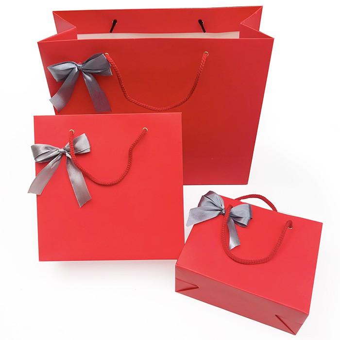 Túi đựng quà tặng màu đỏ kèm nơ xinh xắn, túi quà sinh nhật nhiều dịp
