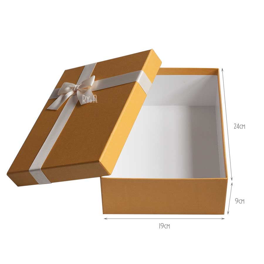 Hộp quà lớn đính nơ 24x19x9cm (vàng nơ kem) 290513