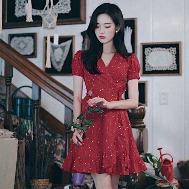 Đầm chấm bi đỏ
