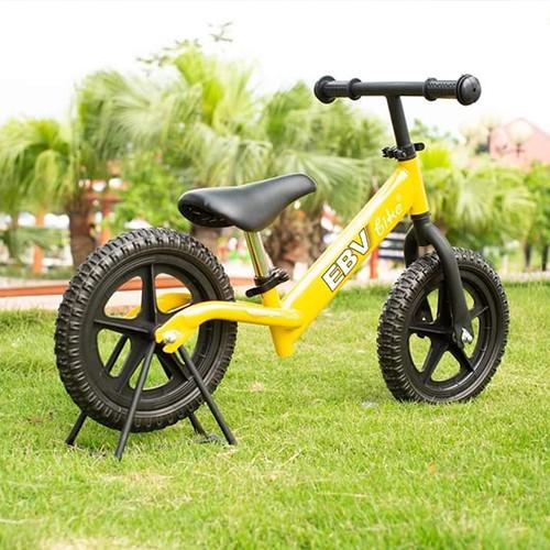 Xe thăng bằng cho em bé – hàng chính hãng Em Bé Vàng -Bảo hành 12 tháng (tặng bọc tay lái)