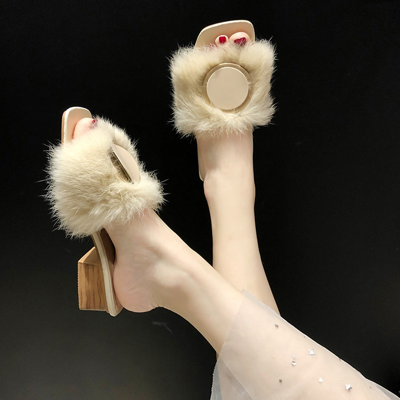 【จัดส่งฟรี】ของสังคมหนากับแฟชั่นสวมใส่ป่าคำเดียวลากรองเท้าแตะขี้เกียจและรองเท้าแตะ