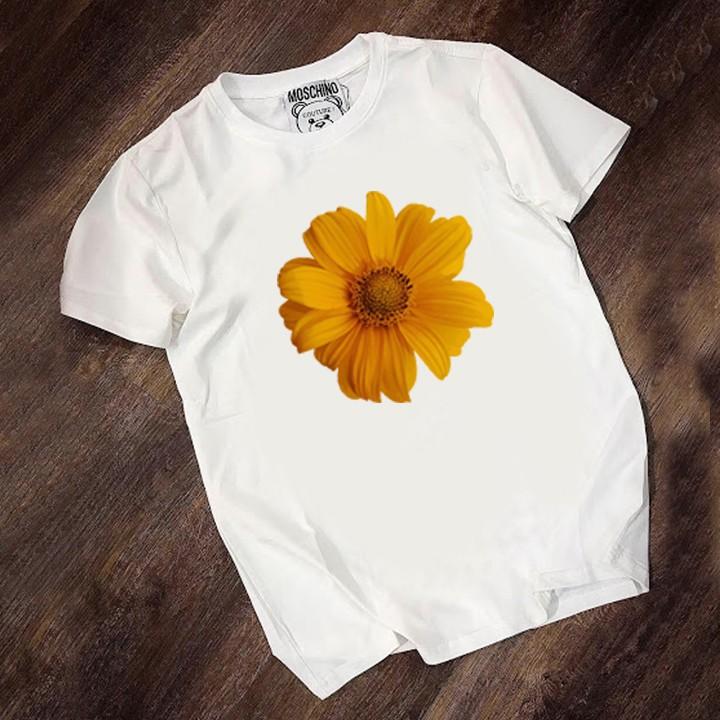 Áo thun ngắn tay không cổ nữ mầu trắng in hình hoa cúc to