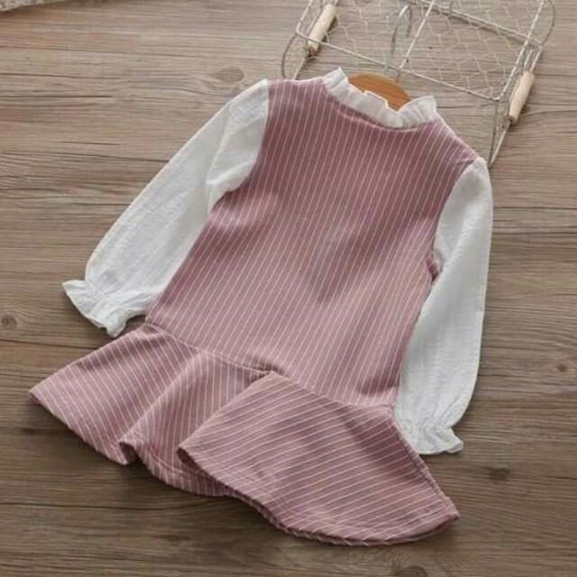 Váy chân bèo