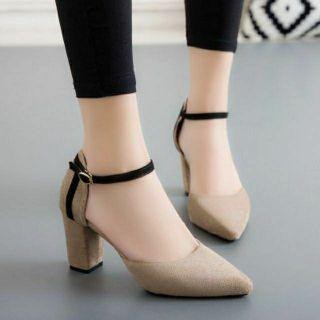 Giày cao gót 7 phân bít mũi 2 màu đen và nâu be thumbnail