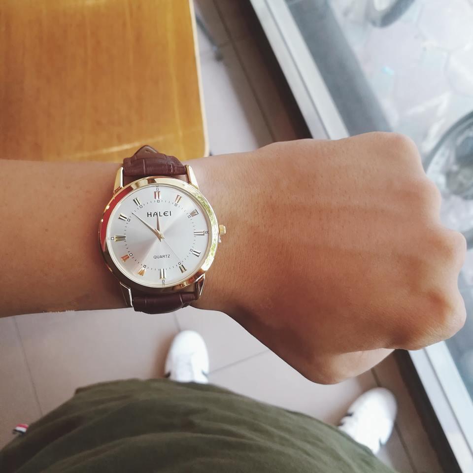Đồng hồ nam Halei dây da nâu mặt màu trắng - 2906138 , 479185027 , 322_479185027 , 350000 , Dong-ho-nam-Halei-day-da-nau-mat-mau-trang-322_479185027 , shopee.vn , Đồng hồ nam Halei dây da nâu mặt màu trắng