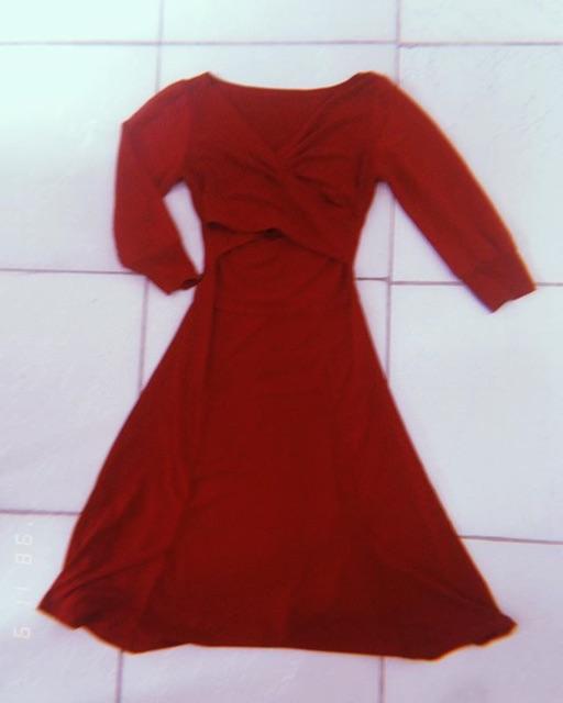 Đầm đỏ thanh lý