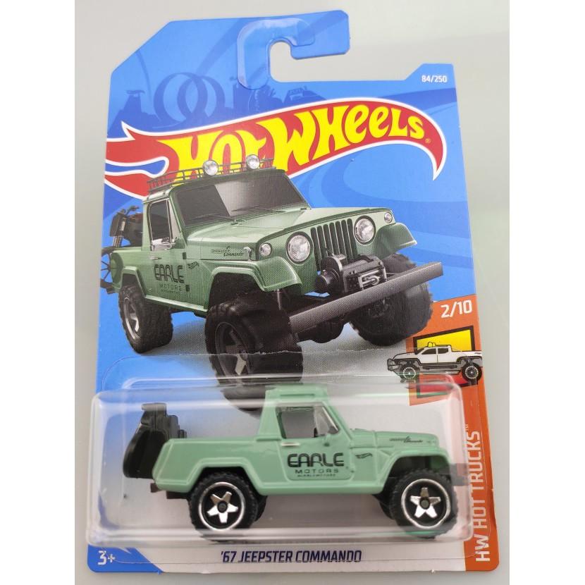 Xe mô hình Hot Wheels '67 Jeepster Commando FYF06