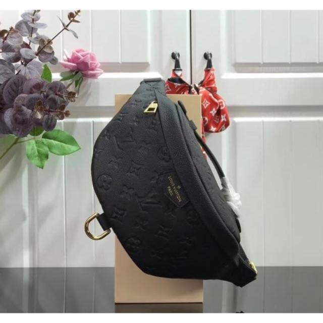 กระเป๋า Lv belt bag 2,590฿