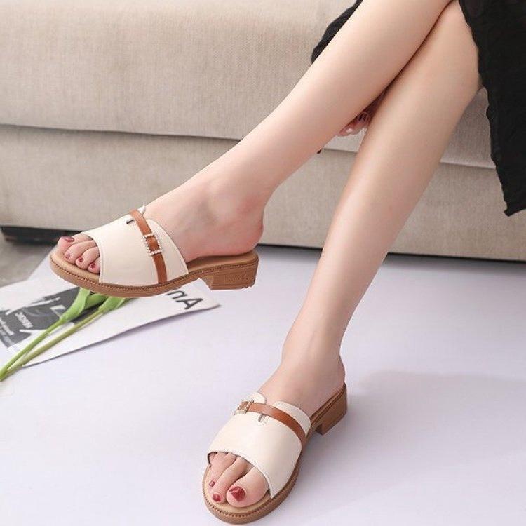 Dép nữ đẹp thời trang đế gấu siêu dẻo cực êm chân 2 màu đen trắng