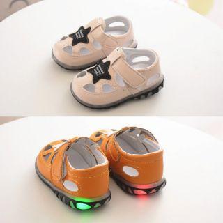 Giày tập đi có đèn (size 16)