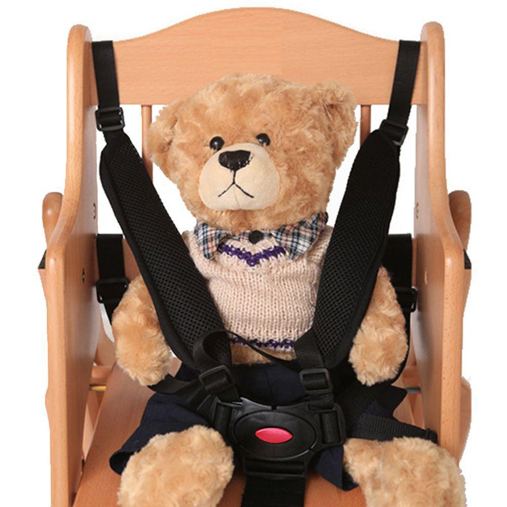 Dây đai có 5 điểm giúp cố định bé và giữ bé an toàn khi ngồi xe ô tô / ghế