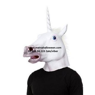 Đầu ngựa trắng