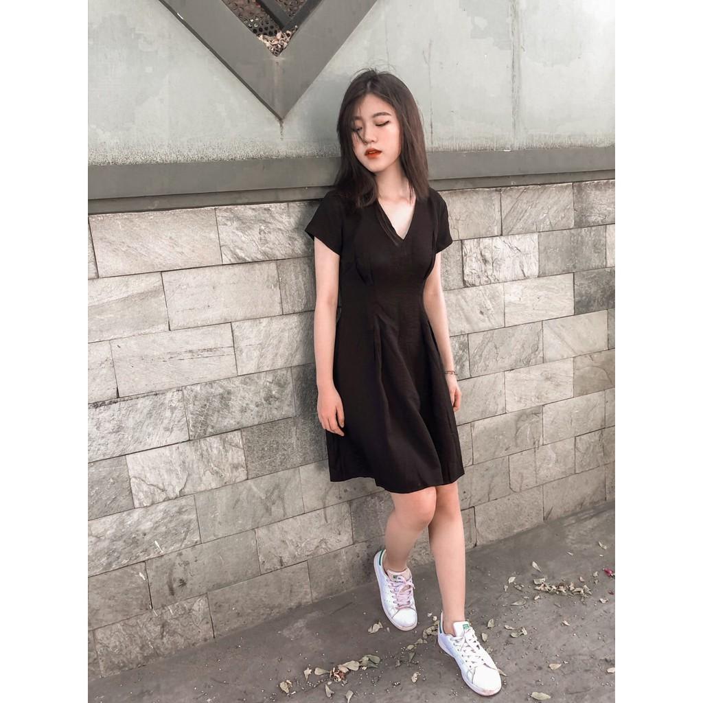 [XẢ KHO] Váy Đen Xoè Cổ Chữ V Dễ Thương Cá Tính