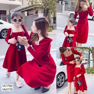Váy nhung cho mẹ và bé