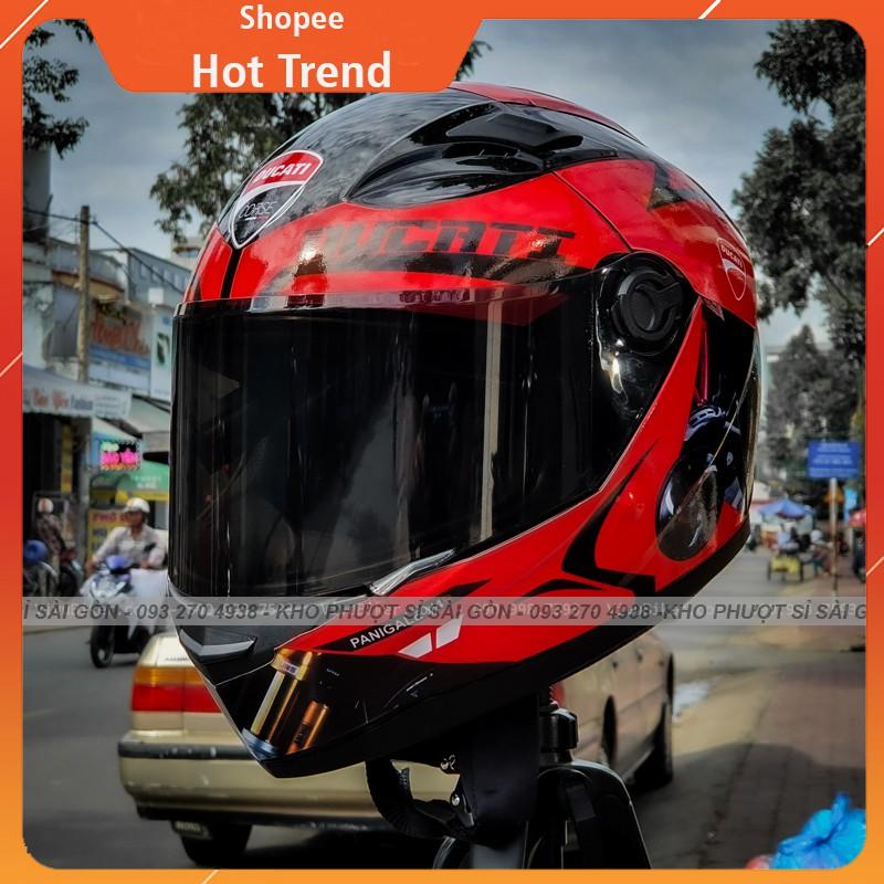 Mũ bảo hiểm Fullface tem DUCATI cực đẹp lên kính đen - Nón bảo hiểm Fullface AGU đen bóng lên tem trùm DUCATI