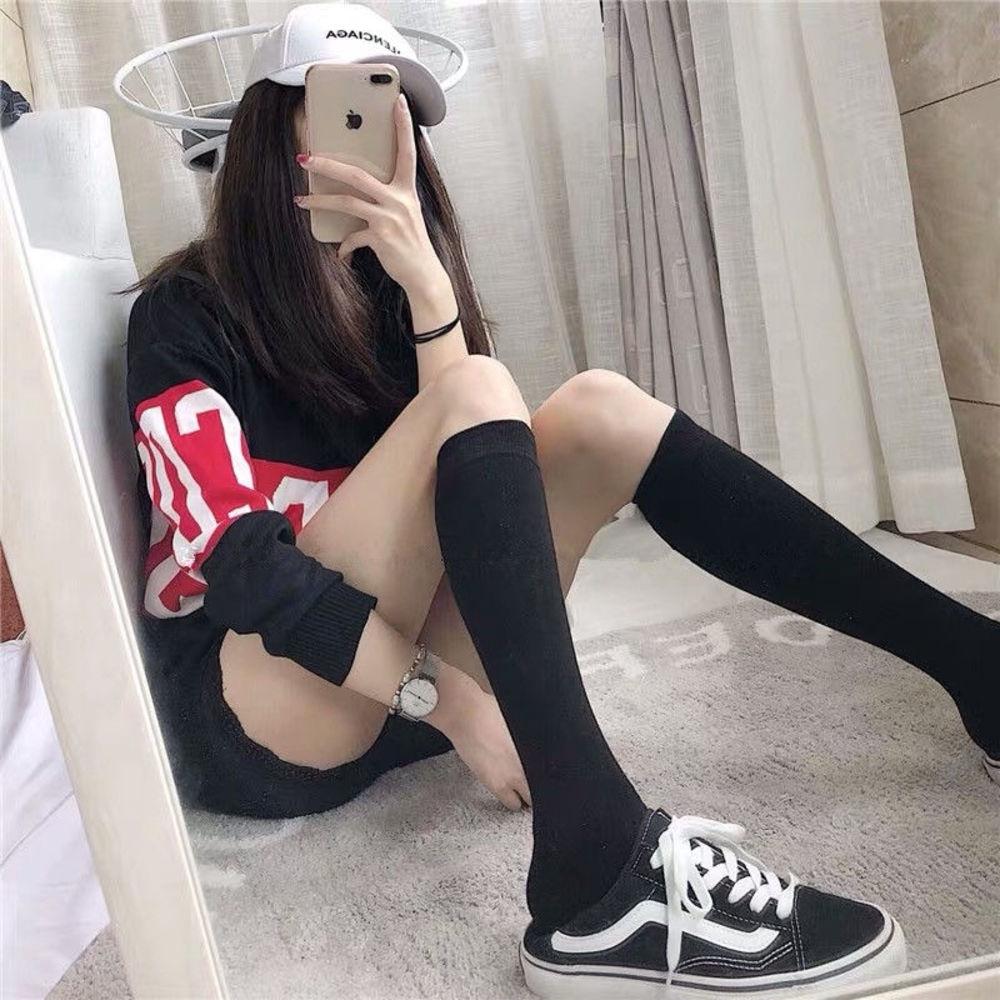 จุดหลอดยาวถุงเท้านักเรียนหญิงถุงเท้ายาวเข่า