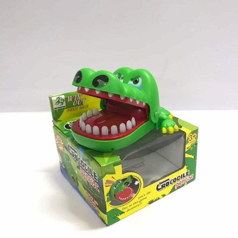 cá sấu cắn tay, khám răng cá sấu chính hãng 45,000đ