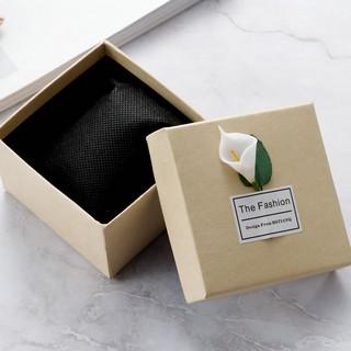 Hộp đồng hồ vuồng, chữ nhật đính hoa Loa Kèn, làm quà tặng, đựng trang sức cực đẹp ( Mã HDH VN ) thumbnail