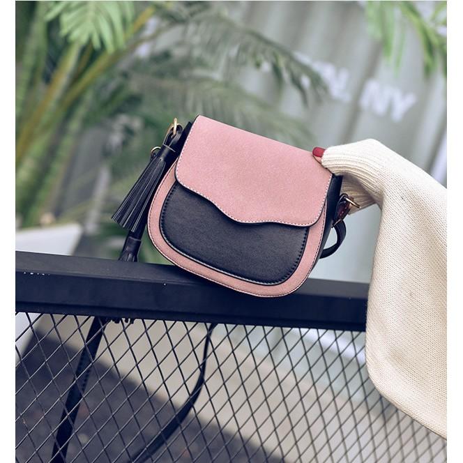 Túi đeo chéo thời trang tặng kèm móc tua rua phong cách KDR-TDC184 Kodoros
