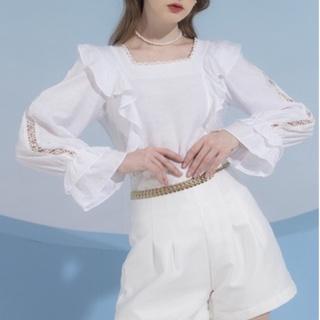 Áo đũi cổ ren vuông - Doris Blouse thumbnail