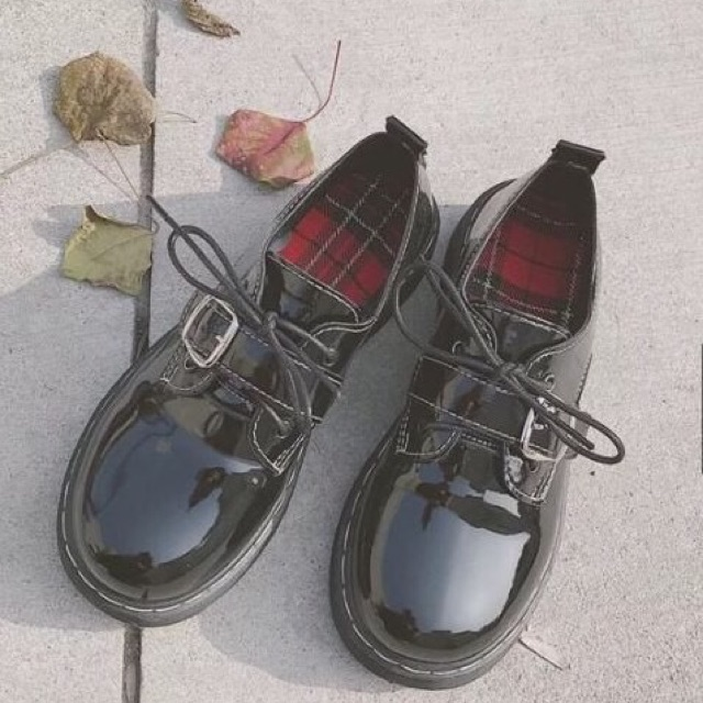 Giày ulzzang da bóng mũi tròn