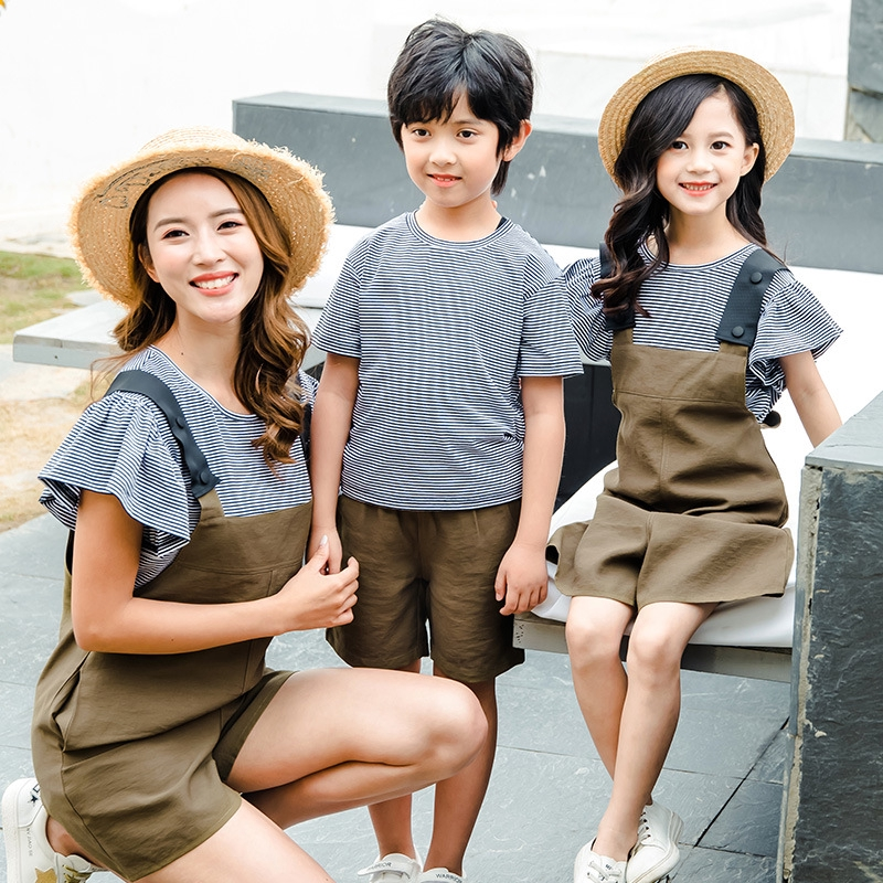 set áo thun ngắn tay cổ tròn+quần lửng thời trang cho mẹ và bé - 14405053 , 2743598103 , 322_2743598103 , 298400 , set-ao-thun-ngan-tay-co-tronquan-lung-thoi-trang-cho-me-va-be-322_2743598103 , shopee.vn , set áo thun ngắn tay cổ tròn+quần lửng thời trang cho mẹ và bé