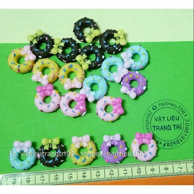 Bánh donut charm slime phụ kiện trang trí