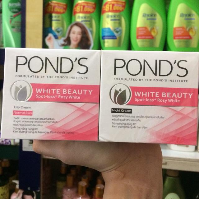 Bộ Kem dưỡng da Ponds trắng hồng tinh khiết ngày và đêm