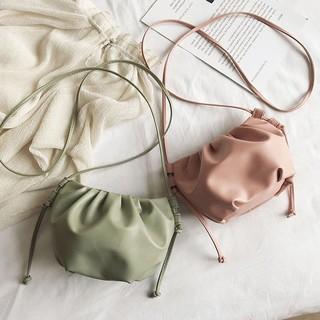 Túi đeo chéo mềm mại thiết kế viền xếp thời trang nữ