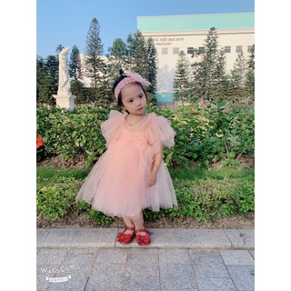 Váy tu tu hồng nơ
